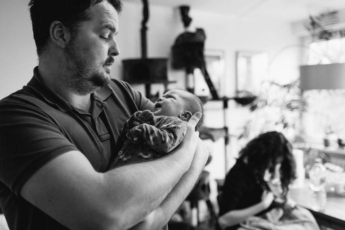 Familienfotos mit Baby Büsum Homeshooting Newborn